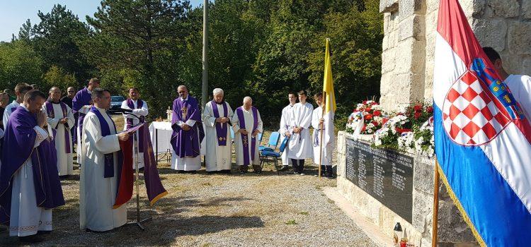 Komemoracija i sveta misa za strijeljane na Kukuzovcu